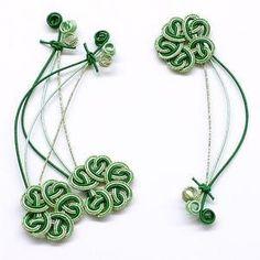 「水引の結び方」の画像検索結果 Jewelry Knots, Fabric Jewelry, Decorative Knots, Creative Box, Weaving Designs, Macrame Design, Weaving Art, Macrame Knots, Celtic Designs
