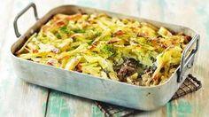 Tonnikalakiusaus valmistuu vaivattomasti puolivalmisteiden avulla ja muhii itsekseen uunissa meheväksi ja maukkaaksi. Tasty, Yummy Food, Easy Cooking, Herbal Remedies, Diy Food, Lasagna, Macaroni And Cheese, Herbalism, Cabbage