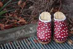 Red polka dots children clogs from Skåne Toffeln Crocs, Polka Dots, Sandals, Children, Red, Fashion, Clogs, Zapatos, Young Children