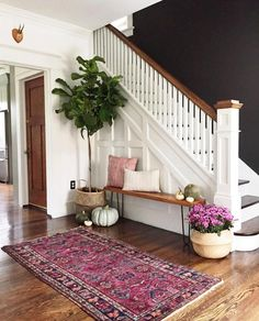 50 Best Rug Living Room Farmhouse Decor Ideas 30 – Home Design Home Design, Flur Design, Design Ideas, Wall Design, Design Hotel, Decoration Hall, Hall Way Decor, Basket Decoration, Black Walls