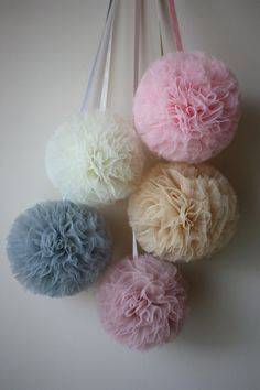 set of 5 tulle pompoms by POMandPOM on Etsy Craft Wedding, Wedding Decorations, Tulle Pompoms, Tulle Tutu, Crafts For Teens, Diy And Crafts, Deco Pastel, Tulle Table Skirt, Tulle Crafts