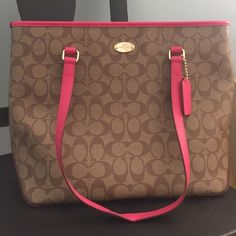 Like new coach purse-price is flexible Coach purse-only used once, in great condition! Coach Bags Shoulder Bags