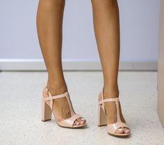 Sandale Kamar Nude Ron, Gladiator Sandals, Nude, Shoes, Fashion, Sandals, Shoe, Moda, Zapatos