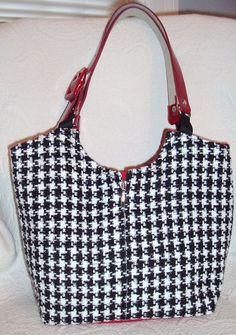 Classic Houndstooth Bag. $86.00, via Etsy.