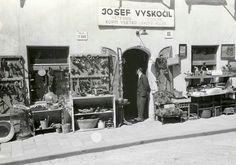 A Jewish merchant and his wares before the war in Bratislava World War Two Bratislava, Interwar Period, Persecution, World War Ii, Wwii, Past, Street View, Community, Homeland