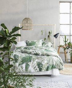 99 Variety of Minimalist Bedroom Interior Design 2017 - Interior Tropical, Tropical Bedroom Decor, Tropical Bedrooms, Bedroom Green, Home Bedroom, Tropical Decor, Tropical Design, Tropical Colors, Tropical Bedding