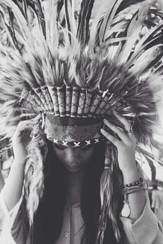 What a stunning Navajo/Tribal inspired photo