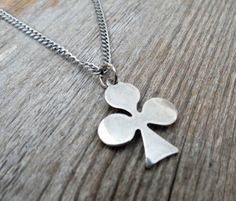 """Men's Necklace - Men's Clover Necklace - Men's Silver Necklace - Mens Jewelry - Necklaces For Men - Jewelry For Men - Gift for Him  Looking for a gift for your man? You've found the perfect item for this!   The simple and beautiful necklace features blackend silver plated chain with a clover pendant.  Length: 25"""" (65cm). $35"""