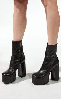 Billy platform booties in leather Ysl Boots, Shoes Heels Boots, Heeled Boots, Cute Shoes, Me Too Shoes, Platform Boots Outfit, 70s Shoes, Aesthetic Shoes, Chunky Boots