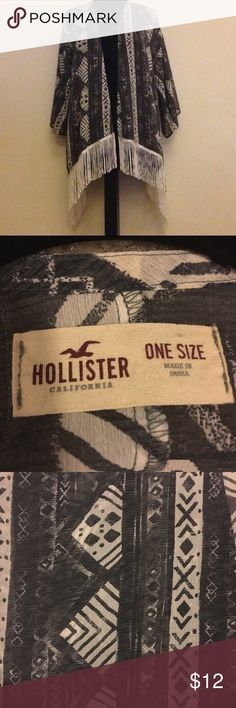 Hollister Kimono Only worn a handful of times like new. Very light. Cute for casual or evening wear. Hollister Jackets & Coats