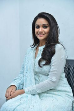 Keerthy Suresh Stills at Mahanati Film Interview. Keerthy Suresh donned a pastel blue chikankari palazzo suit which she styled it with a pair of silver oxidized jhumkis and silver kolhapuri chappals. Malayalam Actress, Beautiful Bollywood Actress, South Indian Actress, S Pic, Indian Beauty, Her Style, Indian Actresses, Indian Fashion, Beauty Women