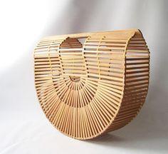 vintage basket purse bamboo handbag clutch mid century modern minimalist fashion style trends spring summer beach bag  neutral wood