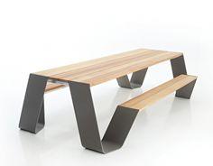 De+Hopper+tafel+van+Extremis+is+een+uniek+nieuw+design+van+Dirk+Wynants.+De+tafel+is+in+