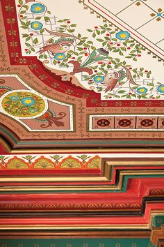 This re-creation of a parlor ceiling was done with stencils and freehand painting. (Photo by William Wright)