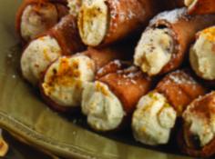 Traditional Sicilian Cannoli
