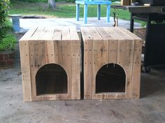 Pallet wood dog house end tables
