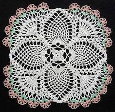 Resultado de imagem para Free Crochet Round Pineapple Tablecloth Pattern