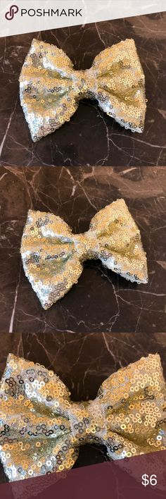 Light Gold Hair Bow Approximately 4 inches. Alligator clip on the back. Never used. Accessories Hair Accessories