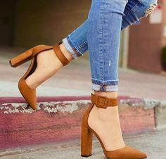 shoes, jeans, and heels Bild