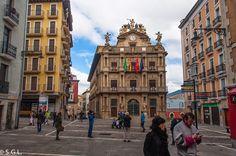 Plaza del ayuntamiento de Pamplona.
