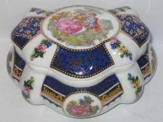 schöne  Porzellan Dose , Schmuckdose, Bonboniere, mit Nostalgie-Motiv /12x10x7cm