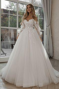 Cute Wedding Dress, Dream Wedding Dresses, Bridal Dresses, Wedding Gowns, Wedding Dress Sparkle, Glitter Wedding, Bride Gowns, Wedding Events, Lace Wedding