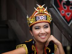 """dayak"" girl ( west kalimantan ) by johanes siahaya, via Traditional Fashion, Traditional Outfits, Beautiful World, Beautiful People, Borneo Travel, Belitung, Brunei, People Around The World, Southeast Asia"
