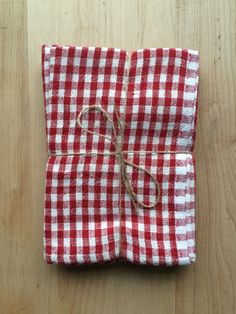 Red and White Gingham Cloth Napkins - these are far too expensive but they're cute, so I'll pin them instead.