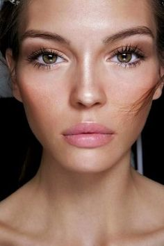 """Top 10 """"No Makeup"""" Looks for fall"""