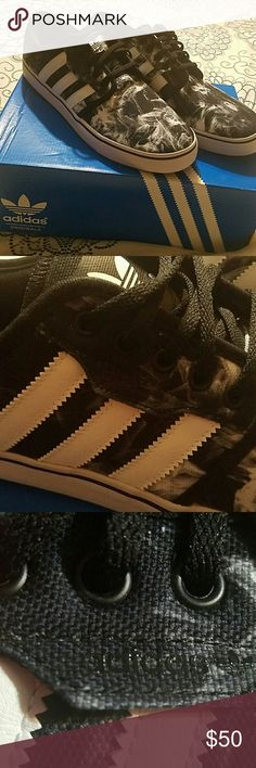 e1adb5768 🔥Mens Adidas Smoke Pattern Sneakers Sz 10.5🔥 Smoking Hot Styled, Black &  White