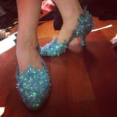 Elsa shoes. says she'll be doing a tutorial eventually