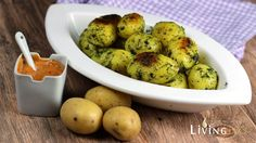 Röstkartoffeln mit Dill und Andalusischer Sauce, eine klasse  vegetarische Beilage zu gegrilltem Fisch. Sauce Andalouse ist Belgien oft auf Pommes zu finden.