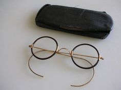 c83397fa27e Antique Round Black   Gold Shuron Windsor Eye Glasses John Lennon Spectacles  Treasury Item from The Back Part of the Basement