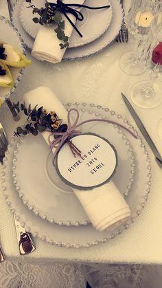 Table setting for Diner En Blanc 2016 Seoul.                                                                                                                                                     More