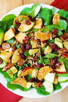 Apple Cranberry Spinach Salad with Pecans, Avocados (and Balsamic Vinaigrette Dressing) Apple Cranbe Mexican Salad Recipes, Chopped Salad Recipes, Spinach Salad Recipes, Healthy Salads, Healthy Recipes, Taco Salads, Easy Recipes, Cranberry Spinach Salad, Spinach Salad With Chicken