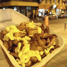 Best Late Night Food: Poutine Original: Love those squeaky Cheese Late Night Food, Poutine, Montreal, Stuffed Mushrooms, Cheese, Vegetables, The Originals, American, Travel