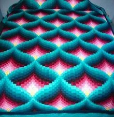 Crochet Afghan Pattern: Pyramid Afghan - Can't find pattern, but would like to experiment with this. (Look at mitre crochet patterns)