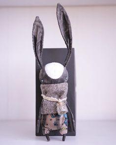 """""""Иииии, последний на сегодня малыш)! Заяц. Черный. Гаражный монстр. Рост за 25 см из за ушей. Они бережно гнуся. Платье и бутылечек снимаются.…"""""""