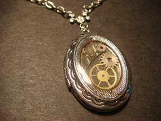 Steampunk Sprocket and Gear Locket Necklace - Antique Silver (619)