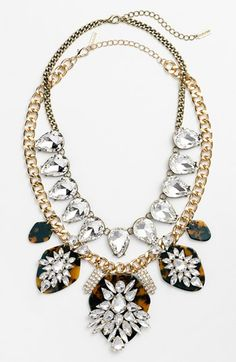 beautiful crystal collar necklace http://rstyle.me/n/hviyvr9te
