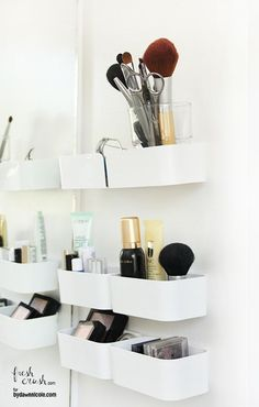 IKEA hack pour le rangement du maquillage  http://www.homelisty.com/rangement-maquillage/