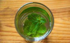 Het metabolisme versnellen met dranken kunnen we doen door vooral meer water te drinken. Gecombineerd met enkele glazen melk en ook af en toe een ...
