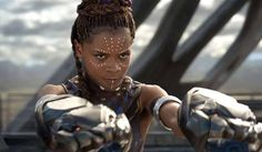 Every Black Panther Character Returning In Avengers: Infinity War Warning: This post contains minor SPOILERS for Black Panther. T'Challa is returning for Avengers: Infinity War, but he's not the only ch. Shuri Black Panther, Black Panther 2018, Spin, Black Panther Character, Wakanda Marvel, Letitia Wright, Young Black, Avengers Infinity War, Tony Stark
