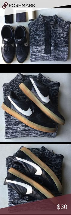 Nike men's size 11 Nike men shoes sneakers. Size 11. Really comfortable Nike Shoes Sneakers