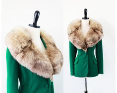 vintage LILLI ANN coat // Kelly Green Jacket with Large Fox Fur Trim and a Rhinestone Bow -- designer couture 1960s Fashion, I Love Fashion, Timeless Fashion, Vintage Fashion, Vintage Fox, Vintage Ladies, Vintage Style, 50s Outfits, Vintage Outfits