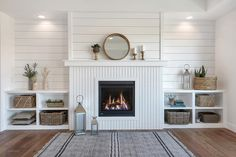 Looking for for ideas for modern farmhouse? Browse around this site for very best modern farmhouse images. This kind of modern farmhouse ideas seems absolutely amazing. Shiplap Fireplace, Farmhouse Fireplace, Home Fireplace, Fireplaces, Fireplace Built Ins, Fireplace Ideas, Fireplace Design, Style At Home, Modern Farmhouse