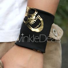$3.02 One Piece Active Skull Pattern Bracer For Men and Women