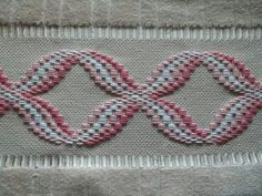 Billedresultat for punto bargello tutorial This Pin was discovered by Yeş Discover thousands of images about Esra Sönmez Motifs Bargello, Broderie Bargello, Bargello Patterns, Bargello Needlepoint, Needlepoint Stitches, Needlework, Hardanger Embroidery, Hand Embroidery Stitches, Embroidery Designs