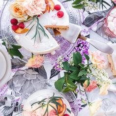 Kinuskinen Raparpericrumble   Annin Uunissa Most Delicious Recipe, Macaron, Yummy Food, Seasons, Table Decorations, Baking, Desserts, Home Decor, Tailgate Desserts