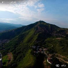Vista al Cerro de las Tres Cruces. #Cali #Colombia Dream Vacations, Cali Colombia, Tours, Adventure, Mountains, Country, Nature, Travel, Crosses